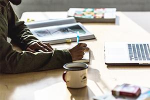 「効果の出るチラシ」 品があり成果につながるフライヤー・チラシをデザイン。「伝わる」デザインで、イベントや企画を強力にバックアップします。